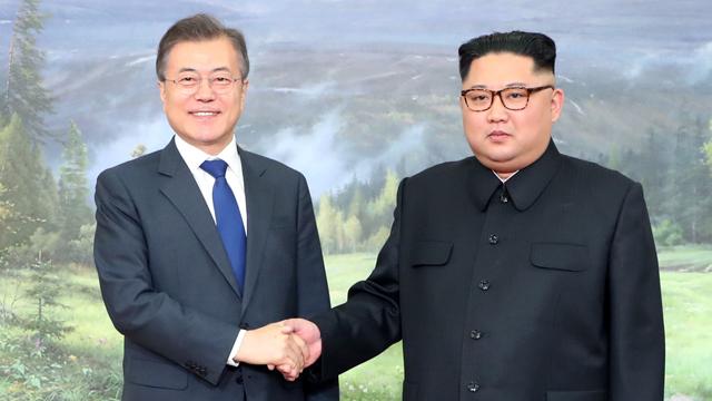[속보] 문재인 대통령, 오늘 오후 3시 김정은 국무위원장과 정상회담 개최
