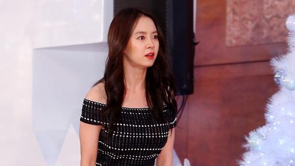 송지효, 신생 기획사 마이컴퍼니서 새 출발