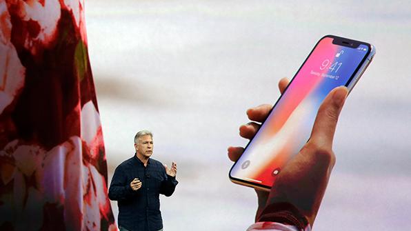 제 발등 찍은 애플…아이폰X 베일 벗고 시총 50조 증발