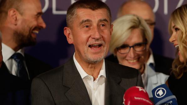 '체코의 트럼프' 바비스, 총리 거머쥐며 政·經·言 장악