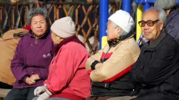 中 급속한 고령화로 몸살…13개성 연금 재정 '바닥'