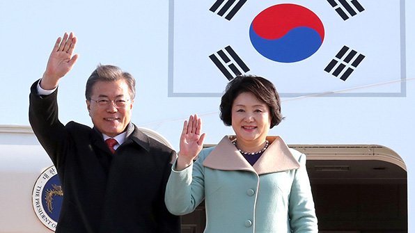 文대통령·시진핑 내외, 한중 문화교류의 밤 행사 참석
