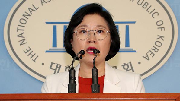 """민주 """"최순실 구형량 헌법유린죄에 상응…재판 지켜볼 것"""""""