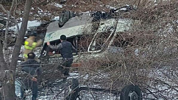 '브레이크가 말 안 들어'…신병 22명 탄 군용버스 추락 순간