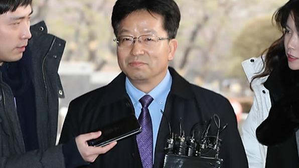 검찰, 김윤옥 여사 보좌 전 행정관·김희중 전 실장 대질조사