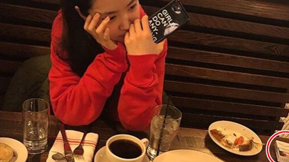 [K스타] '페미' 논란에 삭제된 손나은 SNS…사실은 담배 때문?