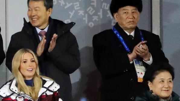 """백악관 """"이방카, 북한 대표단과 대화나 접촉 없었다"""""""