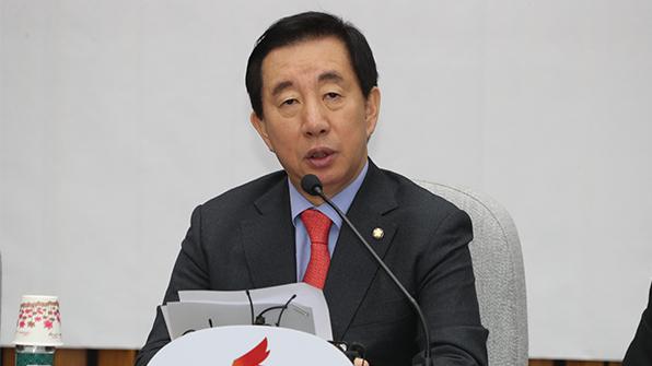 """김성태 """"文 대통령 개헌 추진, 정치적 저의 의심"""""""