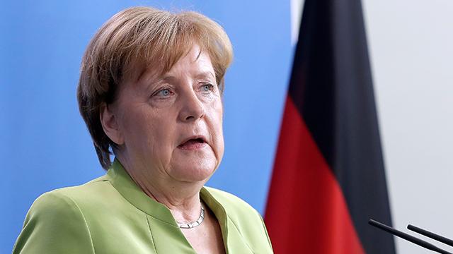 """메르켈 """"이란핵합의 유지하되 탄도미사일 더 협상해야"""""""