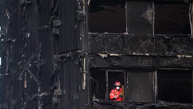 영국 고층빌딩 가연성 소재 사용금지 추진
