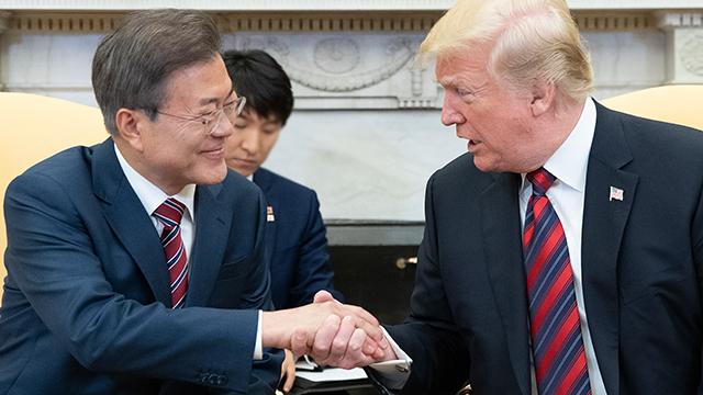 문 대통령 비핵화 중재 '살얼음판'…북미회담 성사 여부 관심 집중