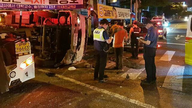 대전에서 미니버스-승용차 부딪혀…25명 경상