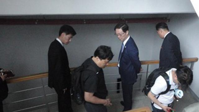 """통일부 """"개성 임시연락사무소 개소 남북 협의중"""""""