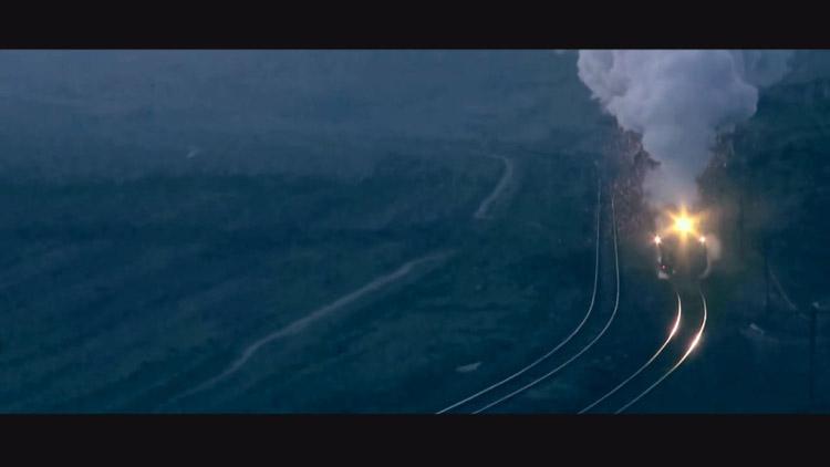 """[고봉순] 불꽃을 내뿜으며 달리는 기차, """"마법처럼 신비로워"""""""