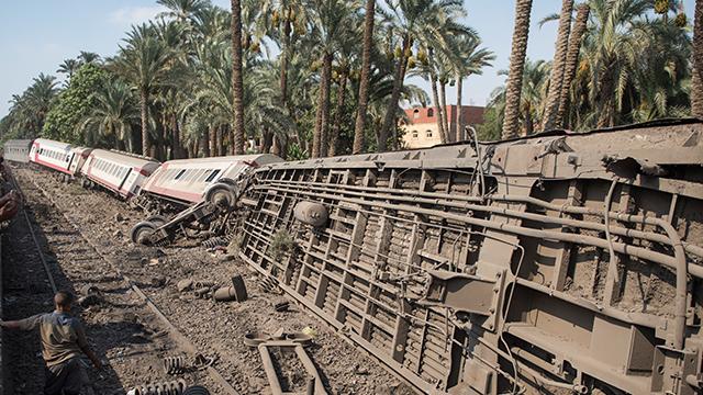 이집트서 열차 탈선사고로 최소 34명 부상