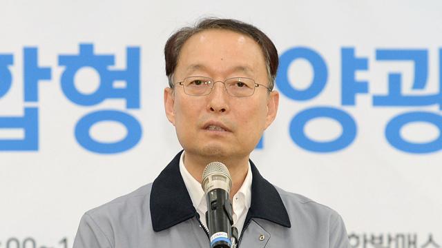 """백운규, 부산항 수출현장 점검…""""미중 무역분쟁 엄중 대응"""""""