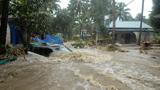 인도 남부 폭우 사망자 37명으로 늘어…6만 명 대피