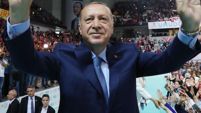 """에르도안 """"터키 굴복시키려는 경제전쟁 직면…새 동맹 찾을 것"""""""