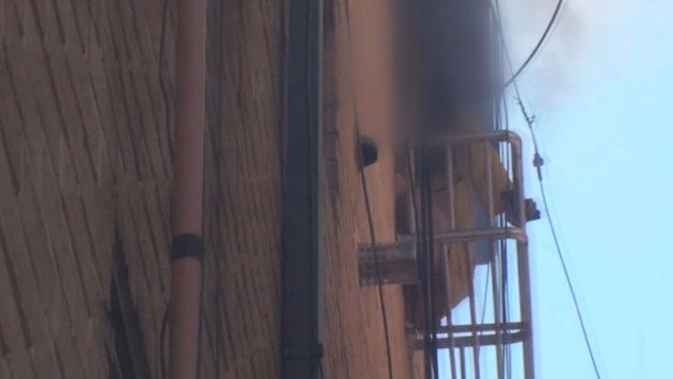 [현장영상] 불나자 기지 발휘…에어컨 거치대에 대피했다 구조