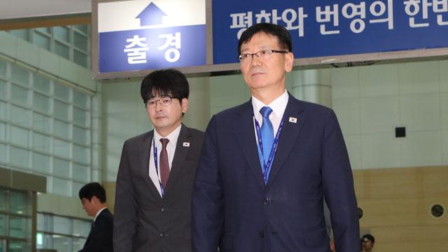 """정상회담 선발대 평양으로 출발…""""남북 뜻 모아 준비"""""""